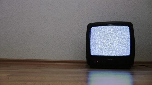Selbst ich schalte den Fernseher immer seltener ein.