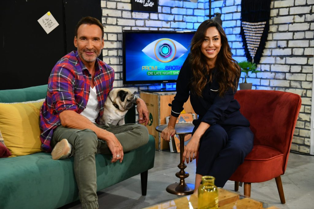 Promi Big Brother - Die Late Night Show mit Jochen Bendel und Melissa Khalaj (Foto: sixx/Willi Weber)